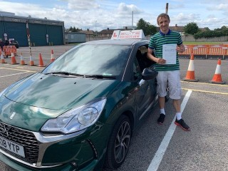 Brilliant #drivingtest pass from Matt's pupil Leszek, who passed first time at Mitcham with just a few minor faults! #drivinglessons #croydondriving #eliteinstructors