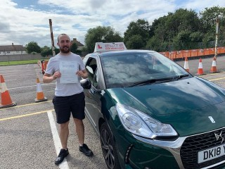 Another #firsttimepass for Matt's pupil Malcom at #Mitcham Test Centre. Awesome job! #croydondriving #eliteinstructors #yougotthis