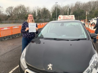Huge well done to Matt's pupil Caroline who #passed #firsttime at #Mitcham with just 3 minors! #eliteinstructors