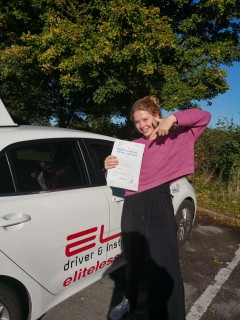 Well done to Jenny's pupil Lucy for her #firsttimepass at #Redhill yesterday! #newdriver #independence #drivinglessons