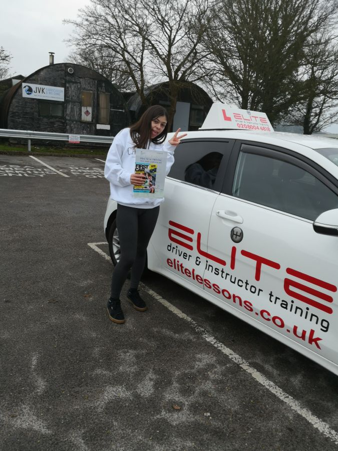 Well done to Jenny's pupil Tia for a brilliant #drivingtest #pass at #Redhill Test Centre