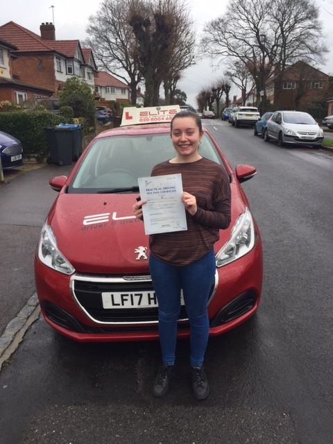 A near-perfect #firsttimepass for Sue's pupil Lucy with just 2 faults at #WestWickhamTestCentre yesterday #Croydondriving