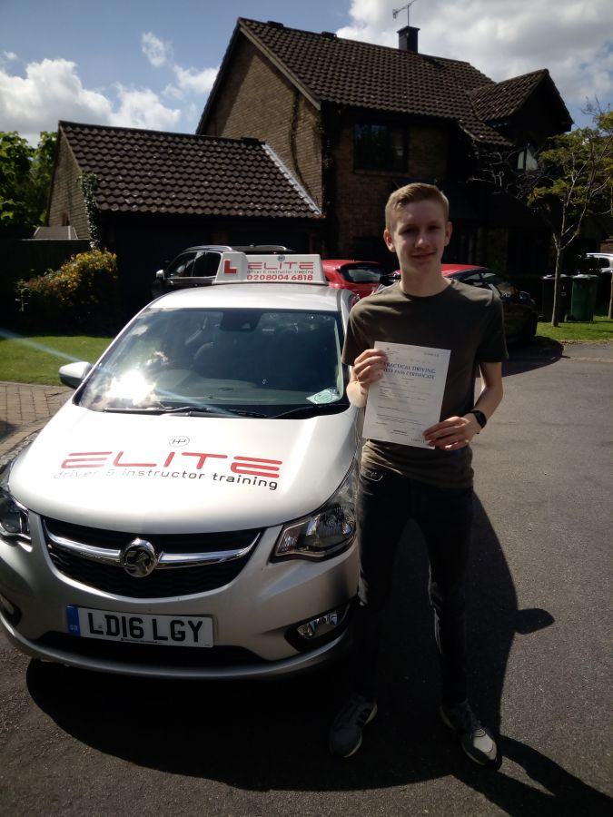 Huge congratulations to Paul's pupil Xander for a #drivingtest pass at #Redhill Test Centre with only 4 minor faults! #eliteinstructors