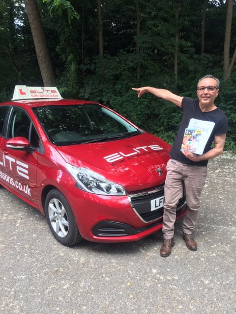A big congratulations to Sue's pupil Ahmed for working hard to achieve a fabulous #drivingtest pass at #WestWickham Test Centre with only 2 minor faults! #eliteinstructors